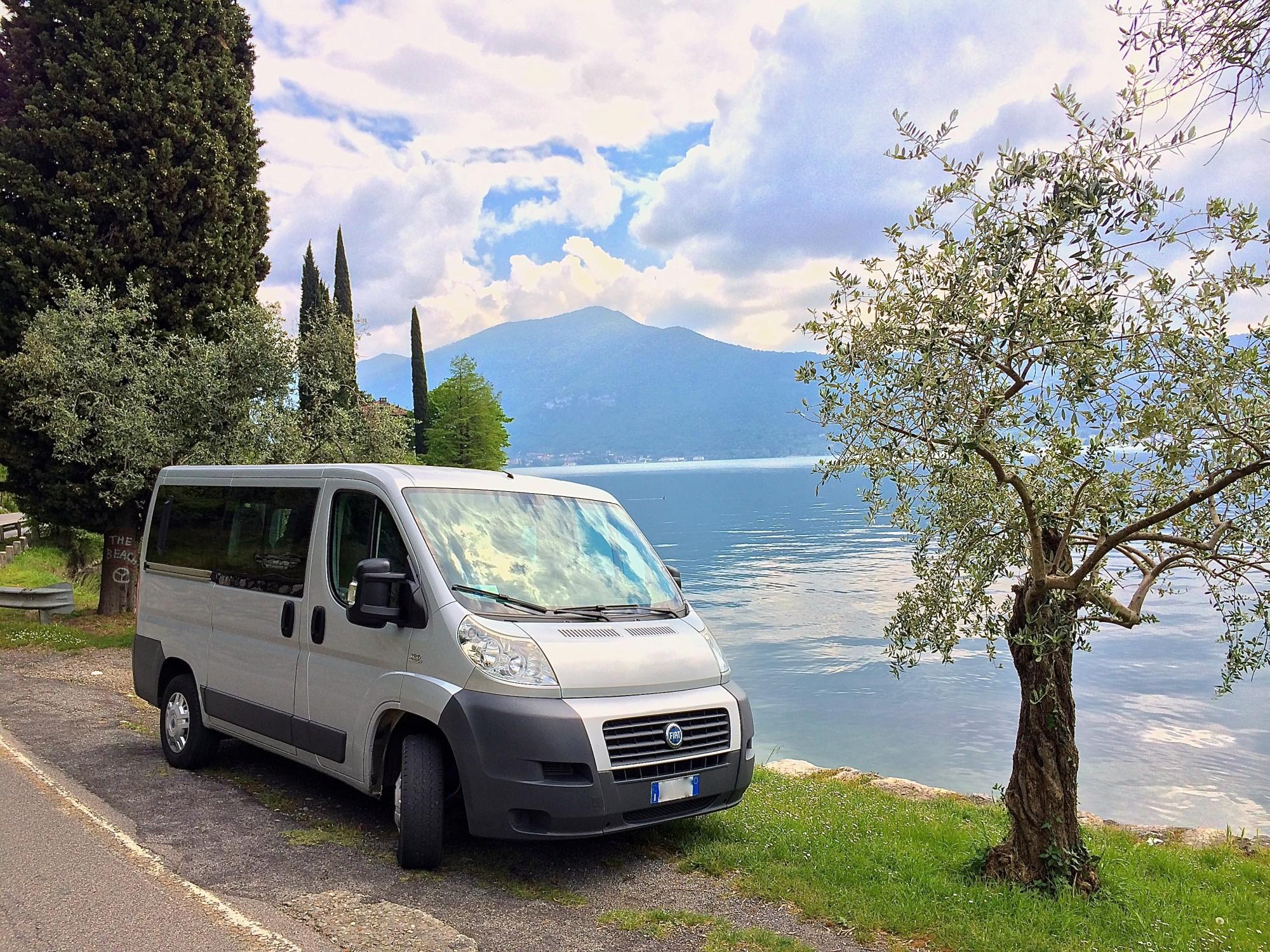 Iris Limousine - Noleggio Pulmino Con Conducente