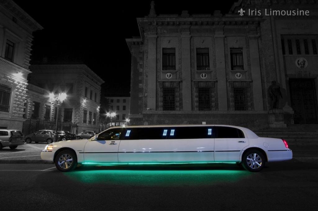 Iris Limousine - Lincoln Town Car Krystal Limousine